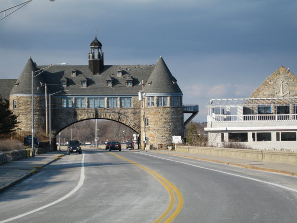 Oceanside Dining in Narragansett, Rhode Island