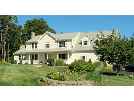 Single Family House for Sale in Richmond RI