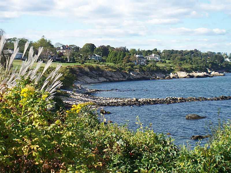 House For Sale in Anawan Cliffs Narragansett, RI
