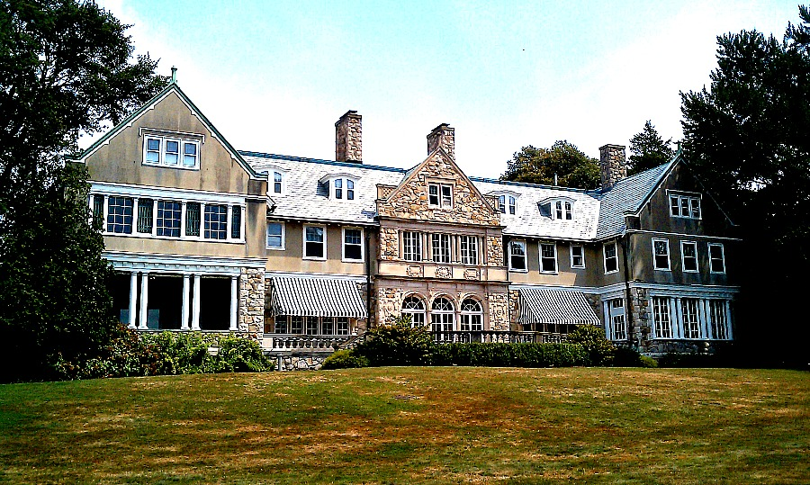 Blithewold Mansion In Newport