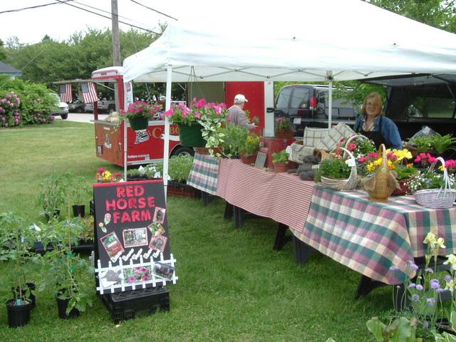 Outdoor Farmer's Markets in Rhode Island